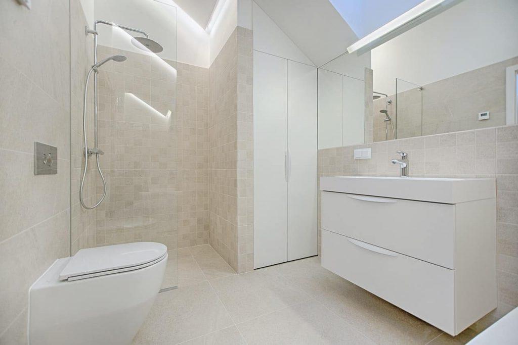 beautiful and clean bathroom